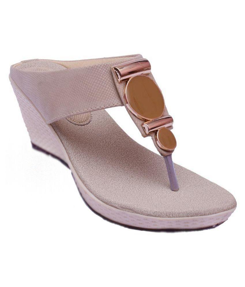 I Design White Wedges Heels