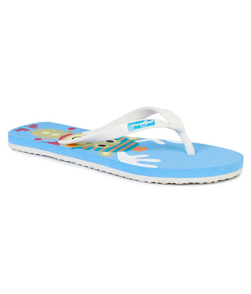 Freetoes White Flip Flops