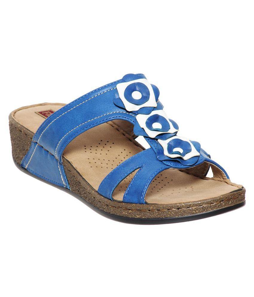 Flat N Heels Blue Flip Flops