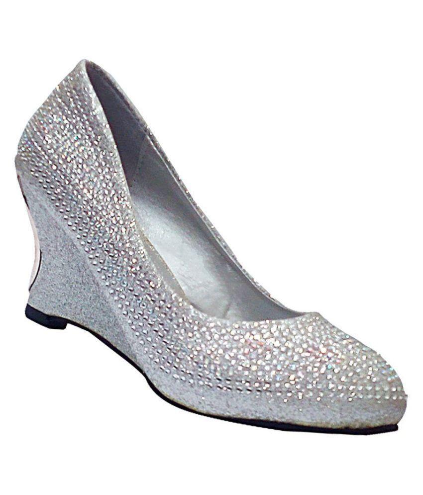 Red Apple Silver Heels
