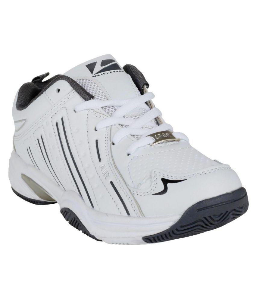 Vostro White Walking Shoes