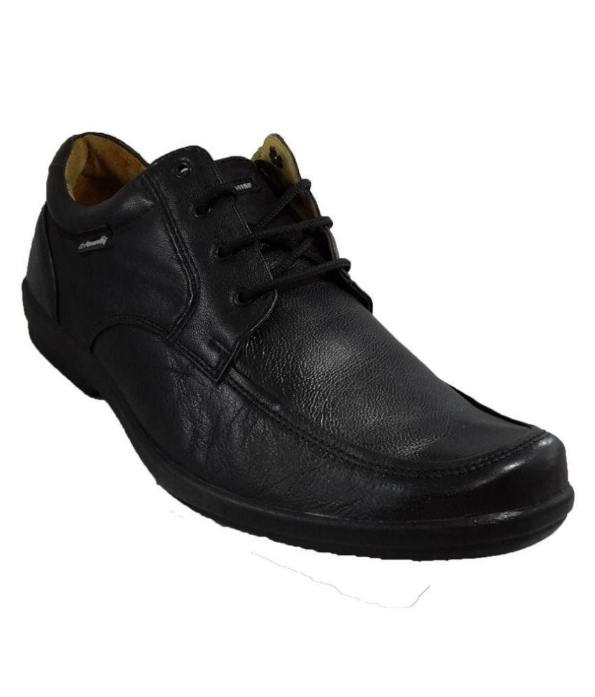 a09f947cb4 Red Chief Black Office Genuine Leather Formal Shoes Price in India- Buy Red  Chief Black Office Genuine Leather Formal Shoes Online at Snapdeal