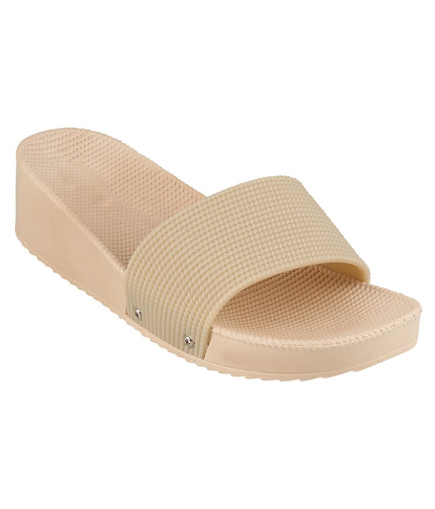 Go India Store Beige Slides