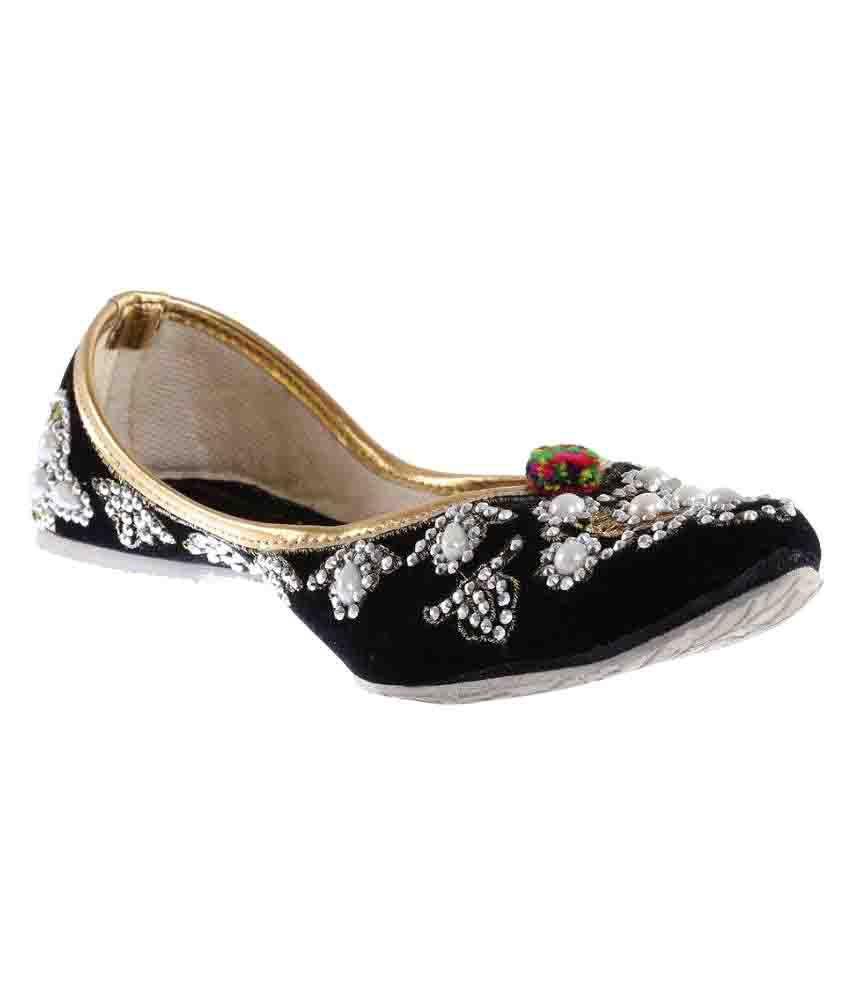 Baannaa Black Flat Ethnic Footwear