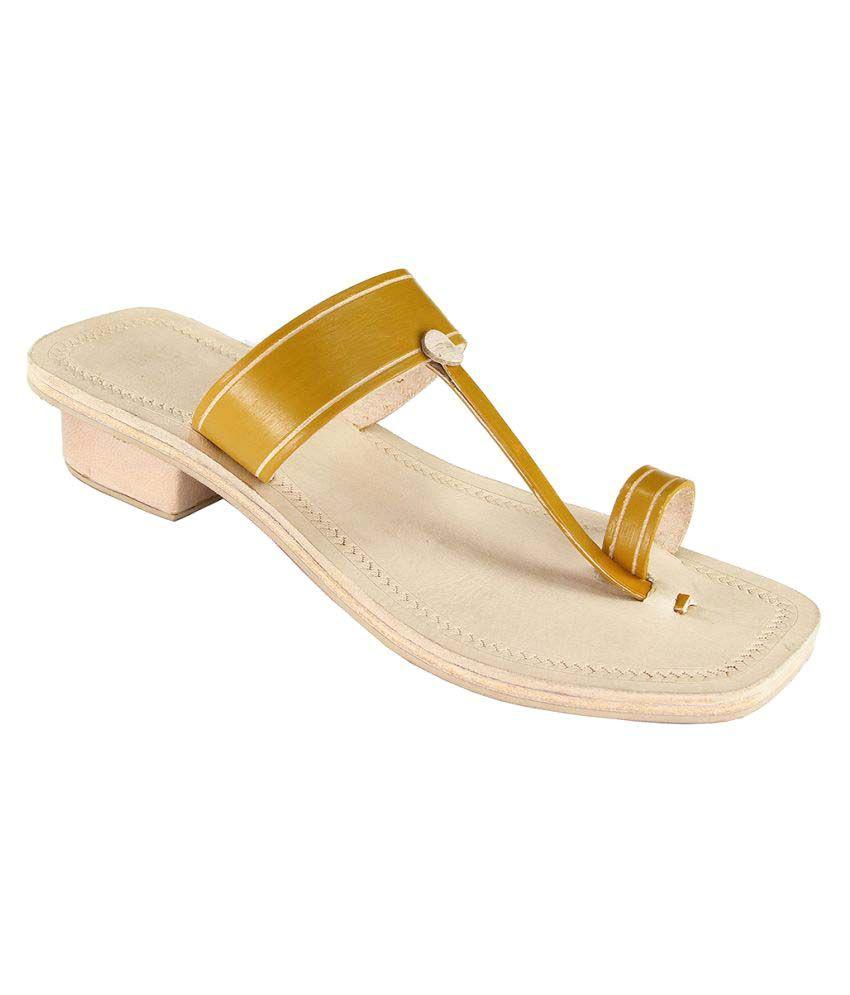 Ekolhapuri Gold Block Ethnic Footwear