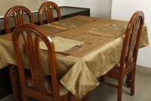 Dekor World 6 Seater Polyester Set Of 7 Table Cover & Table Mats