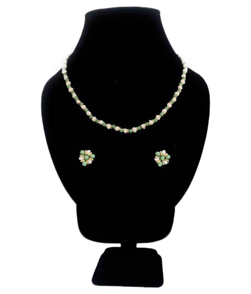 AquaLeo White Necklace Set