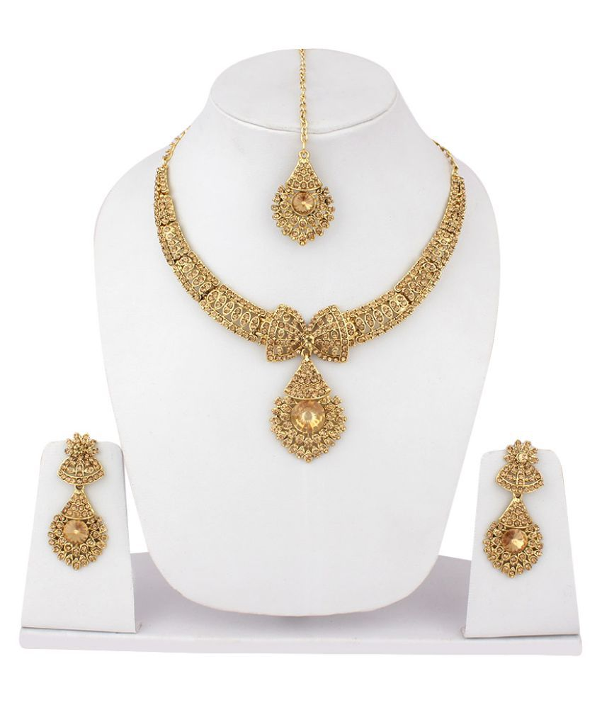 Jewels Guru Golden Necklace Set With Manng Tikka