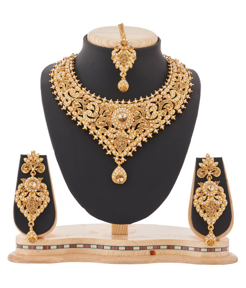 RG Fashions Golden Necklace Set with Mang Tika