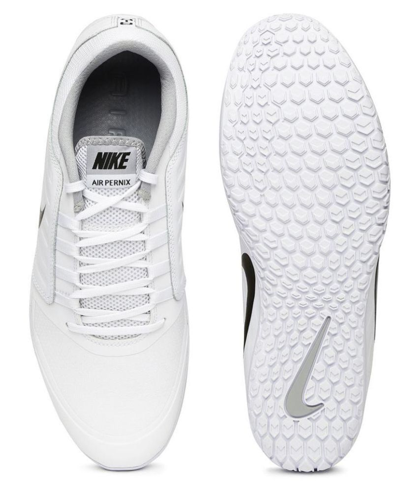 suicidio Para llevar Tranquilidad de espíritu  Nike Air Pernix White Training Shoes - Buy Nike Air Pernix White Training  Shoes Online at Best Prices in India on Snapdeal