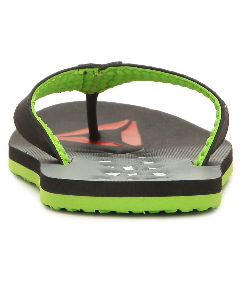 148dcf5c0 Reebok Embossed Flip Black Thong Flip Flop Price in India- Buy ...