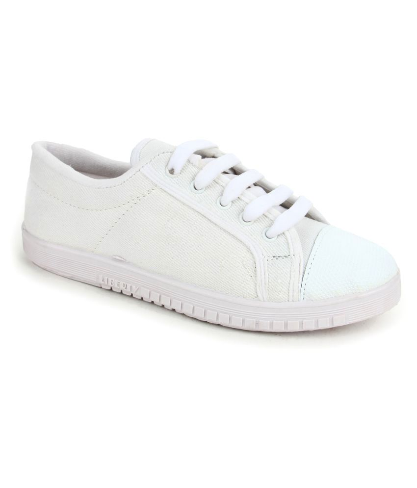 9feaa28f7d69 Gliders By Liberty White Running Shoe available at SnapDeal for Rs.350