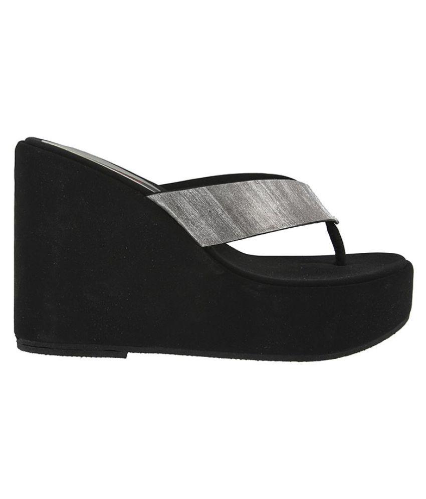 66d95ad5167b Metro Black Wedges Heels Price in India- Buy Metro Black Wedges ...