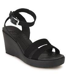 50426234fbdc Crocs Women s Footwear  Buy Croc Shoes for Women Online
