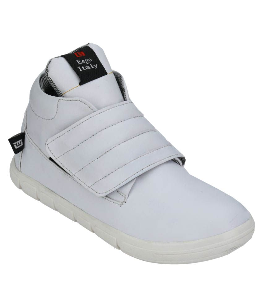 Wave Walk White Casual Boot