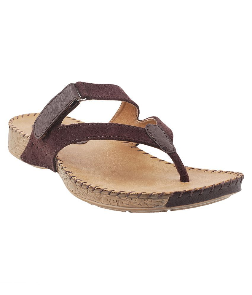 METRO BROWN Heels