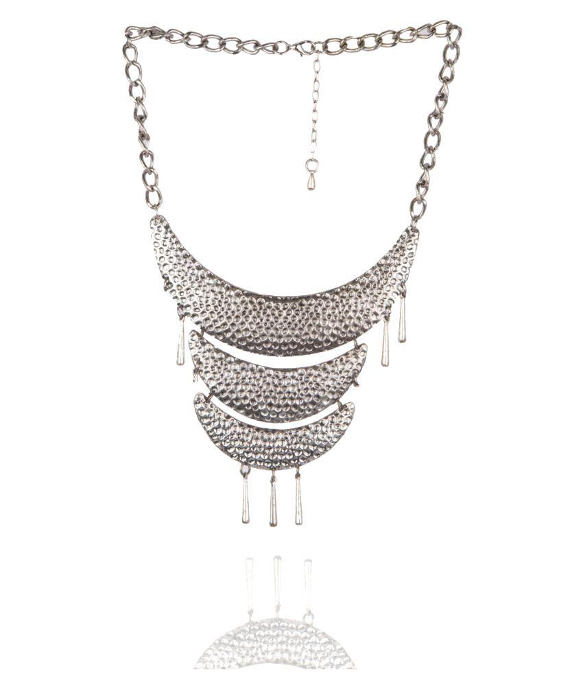 Diva Walk Silver Alloy Necklace