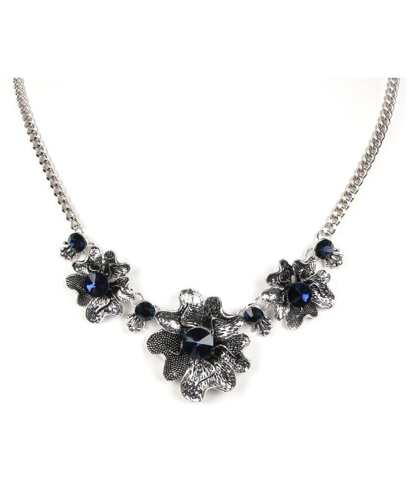 Krupam Silver Elderflower Necklace