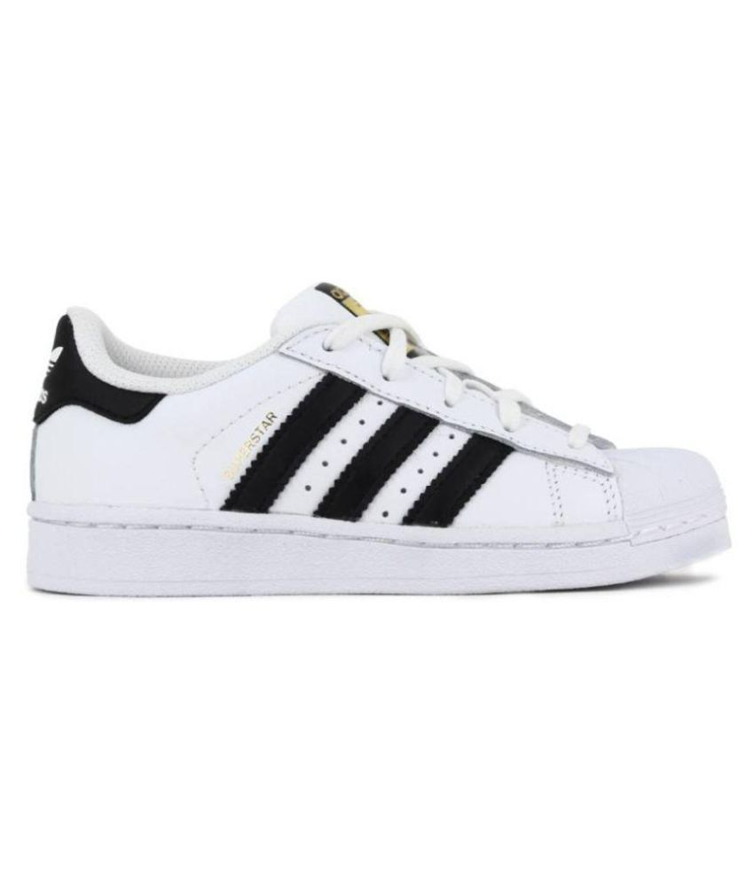 new product 3dafc 77e0e Adidas Superstar White Casual Shoes - Buy Adidas Superstar White Casual  Shoes Online at Best Prices in India on Snapdeal