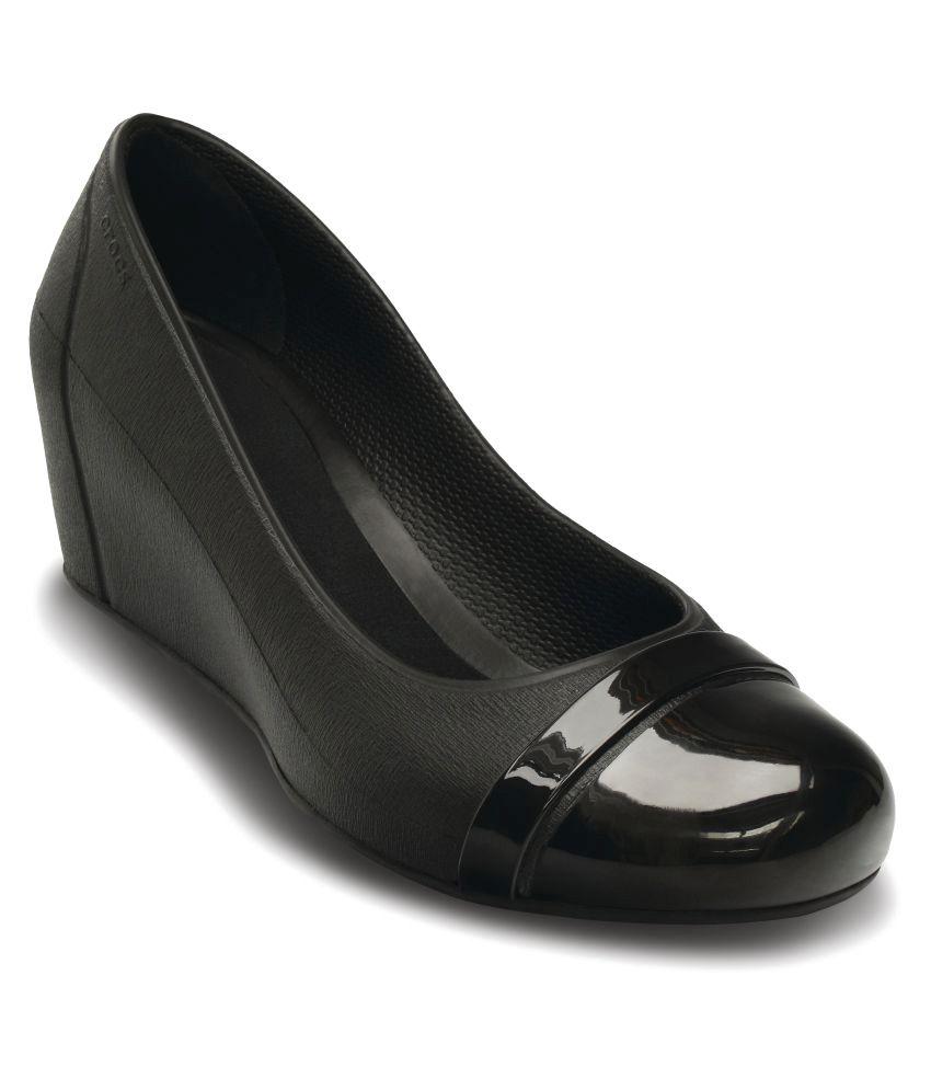 849fef685204 Crocs Ballerinas Standard Fit Price in India- Buy Crocs Ballerinas Standard  Fit Online at Snapdeal