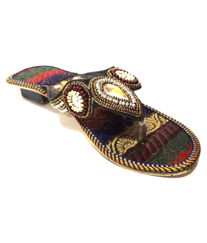 Kuhuk Multi Color Flat Flats
