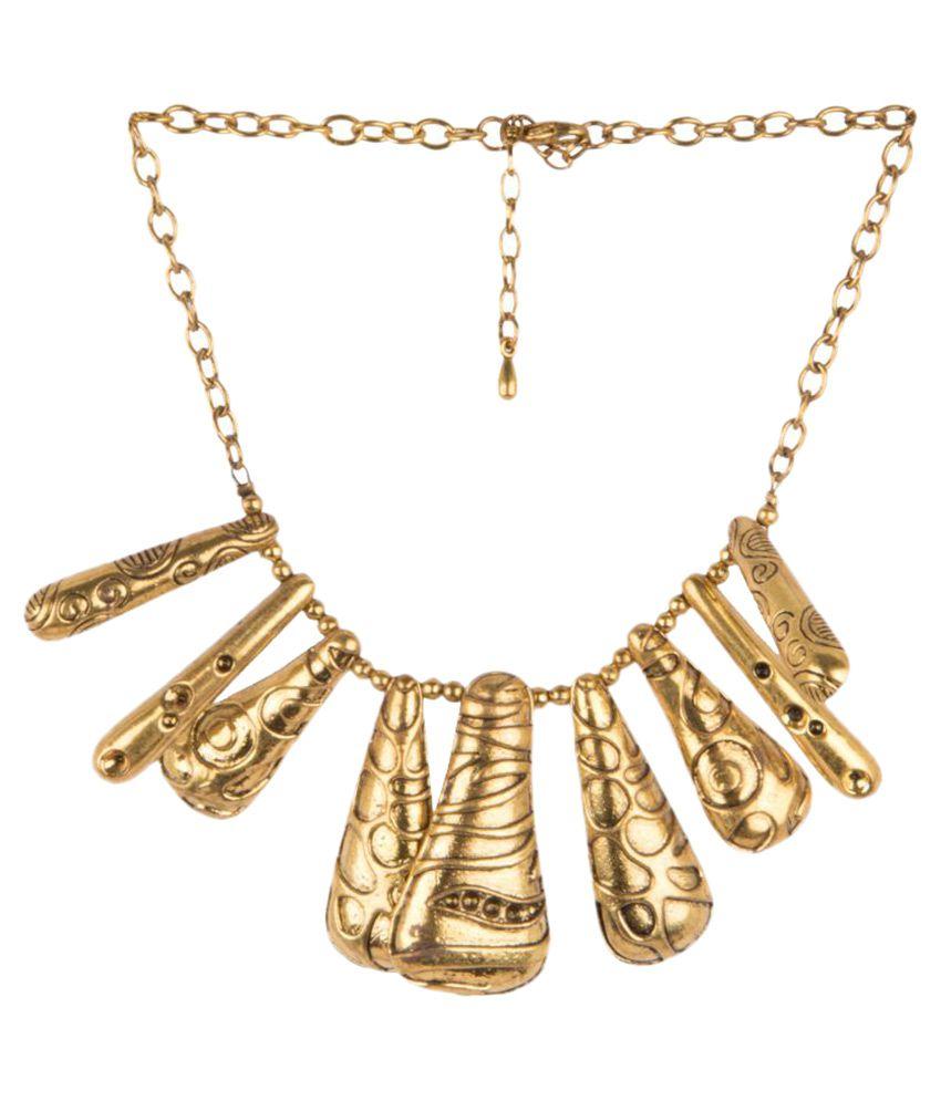 Diva Walk Golden Necklace