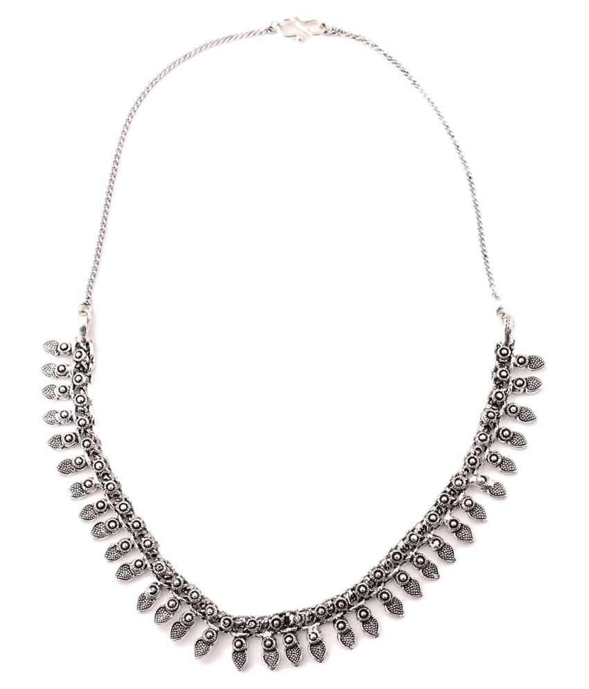 Zephyrr Silver Necklace