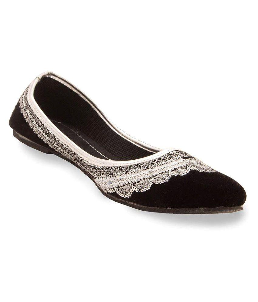 Kalakarindia Black Flat Ethnic Footwear