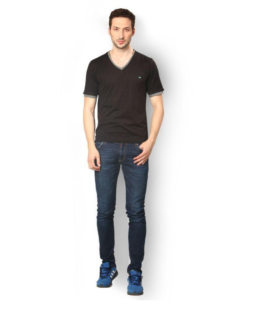 UV & W Black V-Neck T-Shirt