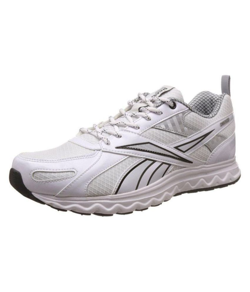 85341f77c25 Reebok Acciomax 6.0 White Training Shoes - Buy Reebok Acciomax 6.0 White  Training Shoes Online at Best Prices in India on Snapdeal