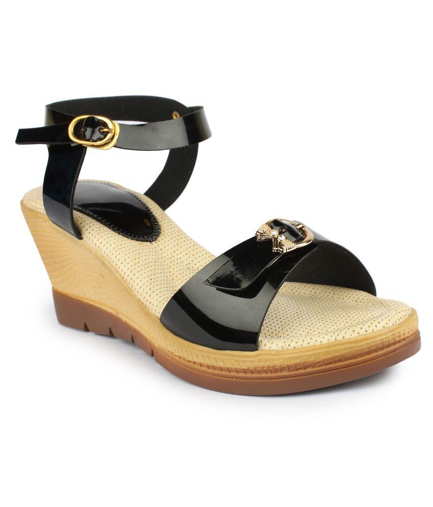 Bonzer Black Wedges Heels