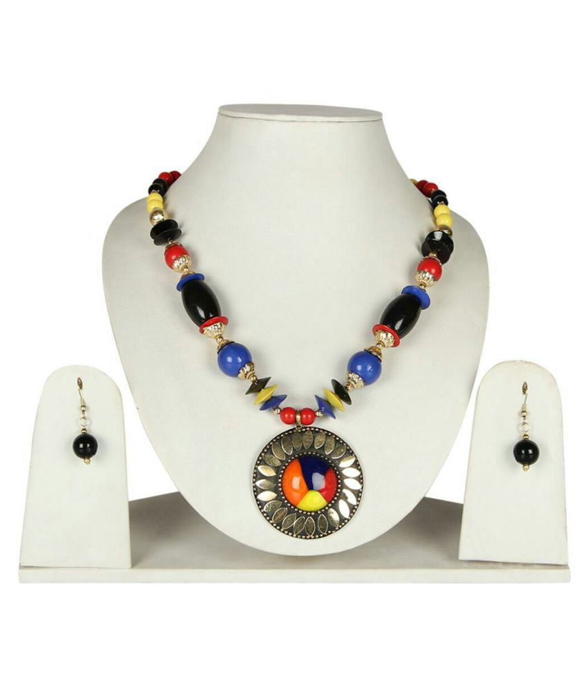 A Beautifull Necklace Set Wear goes Very Well With Ethnic and Western wear in Multicolour by Richshine
