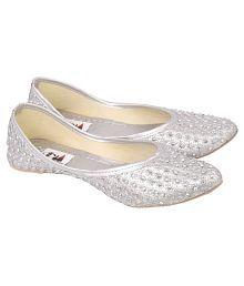 Decot Paradise Silver Flat Ethnic Footwear