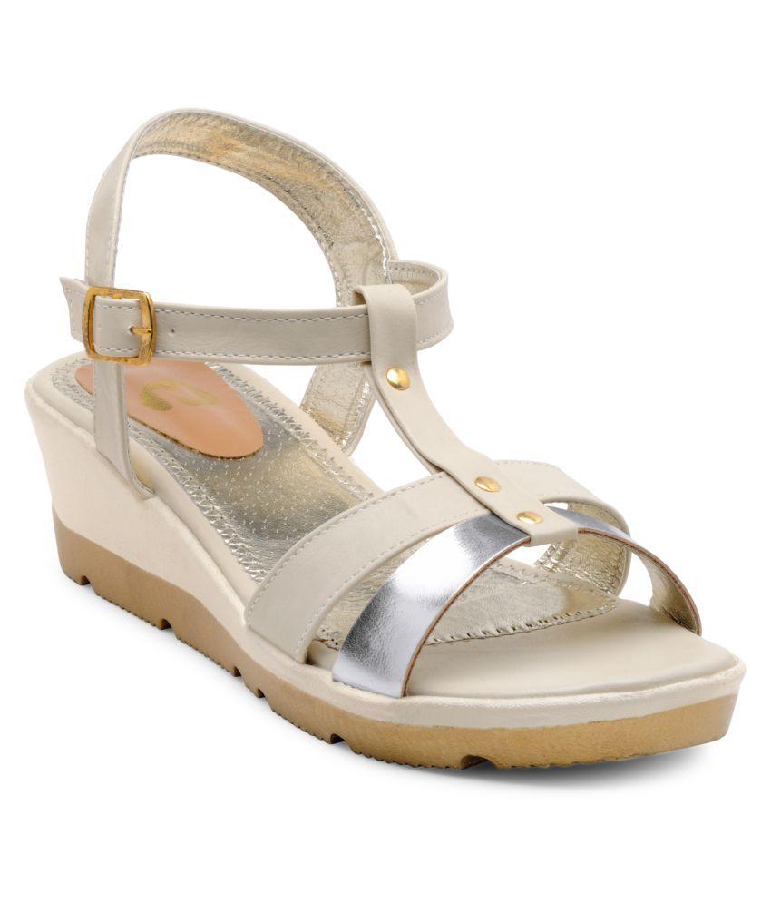 N-Gal Beige Wedges Heels