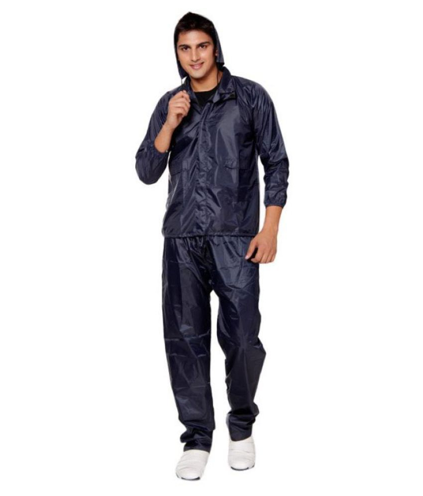 EAGLESHINE Navy hooded Rain Suit with pants and a carry ...