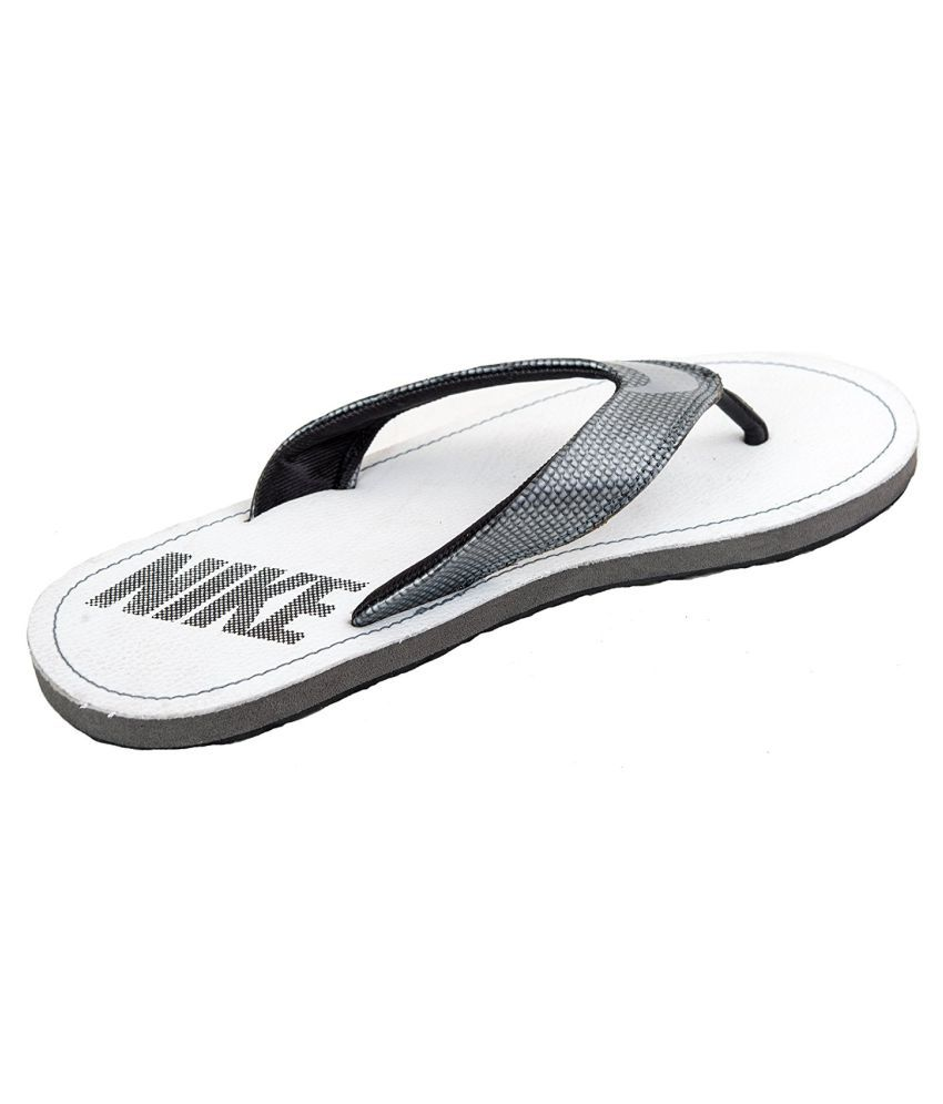 28fd30fea Nike Chroma Thong IV White Thong Flip Flop Price in India- Buy Nike ...