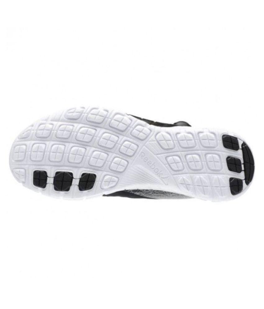 new styles 7d085 30bdc ... Reebok PUMP Black Running Shoes