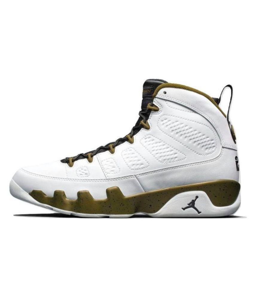 f5736d57b11d2c NIKE JORDAN Retro 9 White Basketball Shoes - Buy NIKE JORDAN Retro 9 White  Basketball Shoes Online at Best Prices in India on Snapdeal