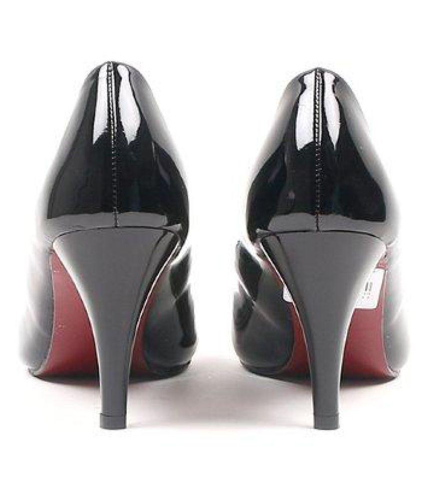 Carlton London Black Stiletto Heels