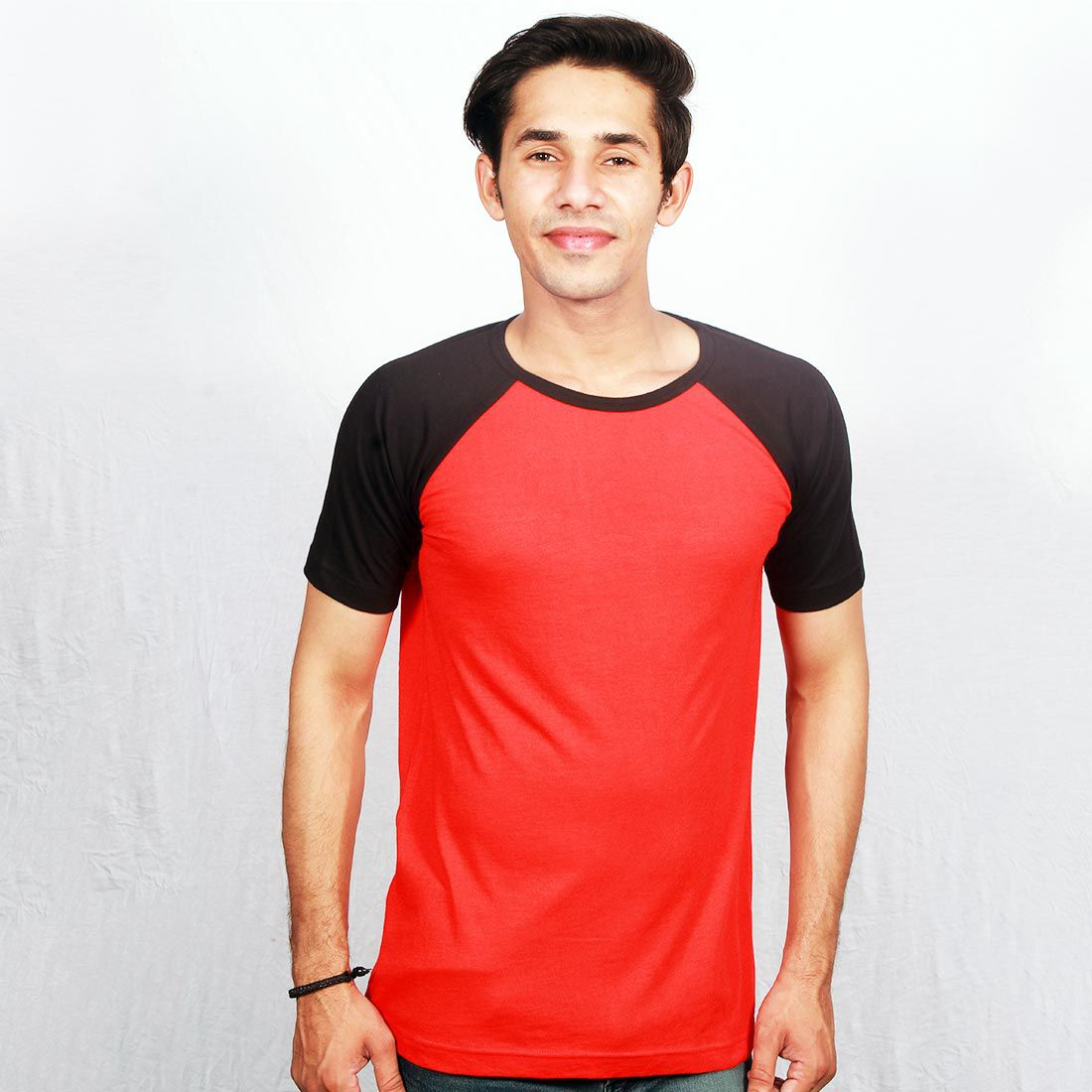 Hollane Fashion Ware Multi Round T-Shirt