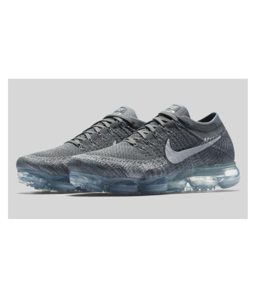 cheaper 483a4 4a2d3 Nike Vapormax 2018 Gray Running Shoes - Buy Nike Vapormax 2018 Gray Running  Shoes Online at Best Prices in India on Snapdeal