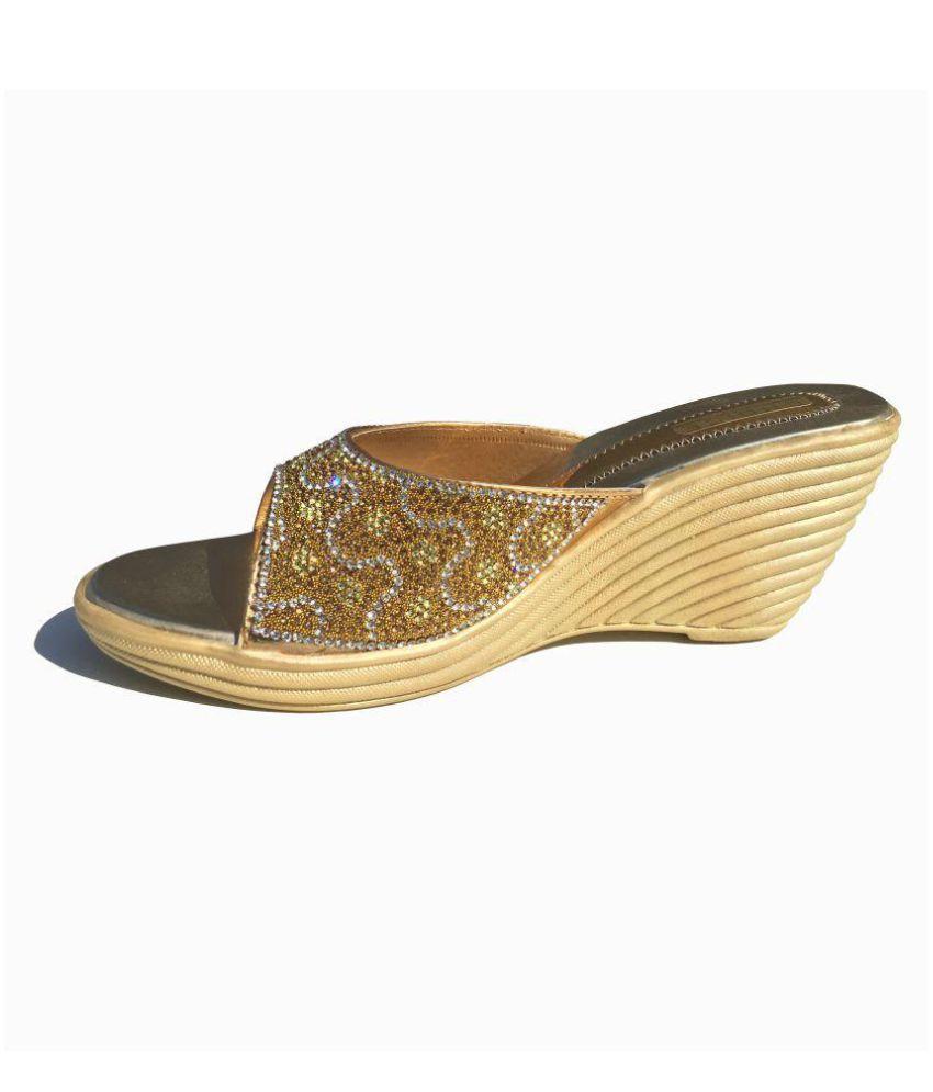 Safna Gold Ethnic Footwear