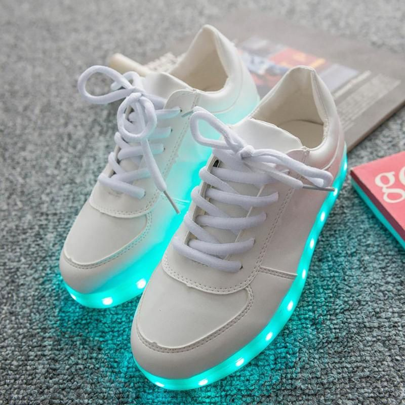 ... Men Women LED Light Up Shoes Luminous Sneakers Girl Leather Casual  Trainers ... 45afb16daf99