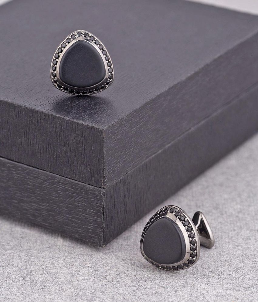 Dare by Voylla Black Stone Triangular Shaped Milestone Cufflinks