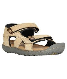 483a42df6a8c Woodland Men s Floaters  Buy Woodland Sandals   Floaters for Men ...