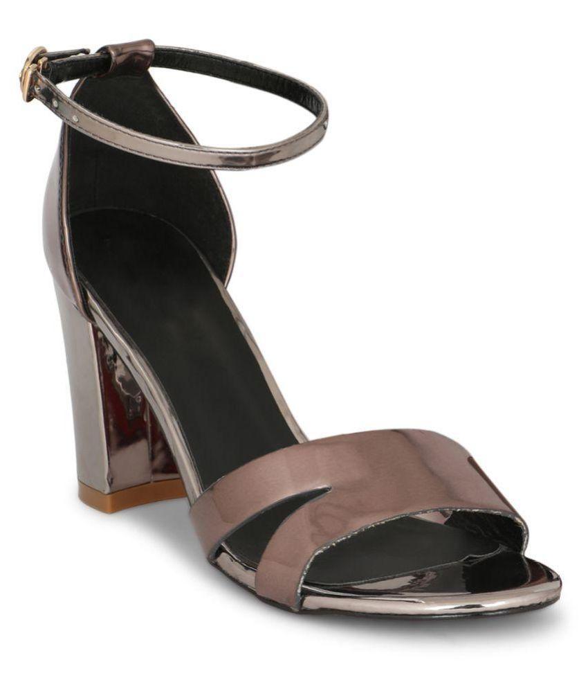 Bello Pede Brown Block Heels
