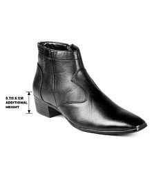 1048c3fdc45d Boots For Men  Men s Boots Online UpTo 69% OFF at Snapdeal.com