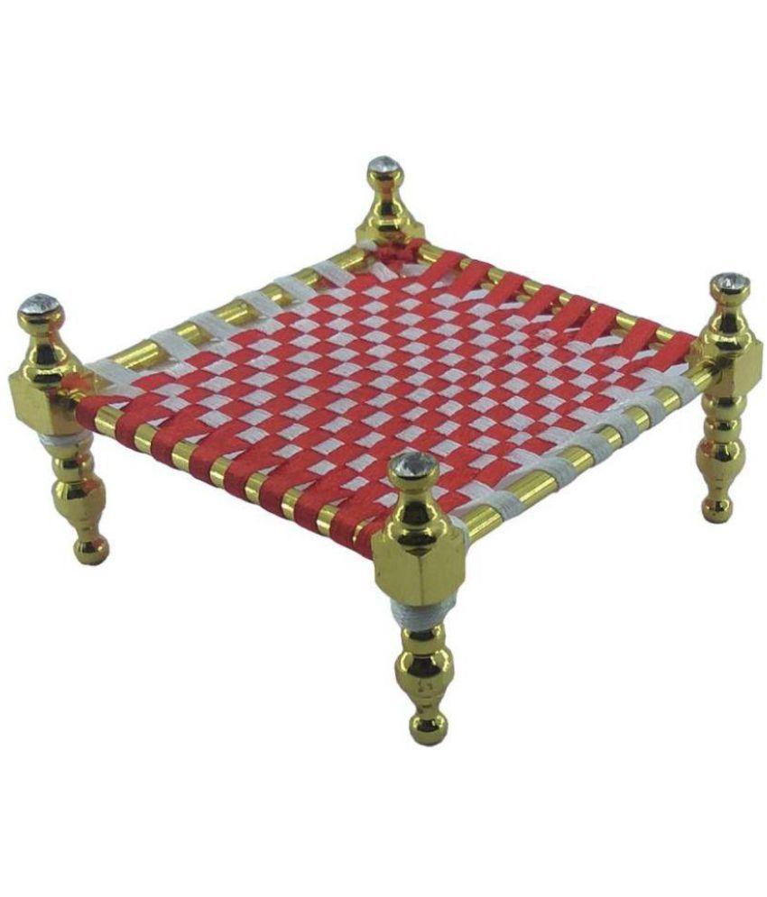 Moxie Gold Brass Handicraft Showpiece - Pack of 1