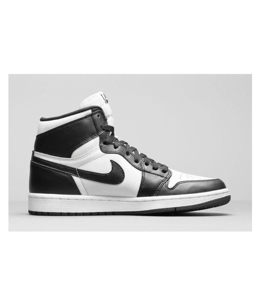 9679d82c986 Nike Air Jordan 1 Retro Black Running Shoes - Buy Nike Air Jordan 1 Retro  Black Running Shoes Online at Best Prices in India on Snapdeal
