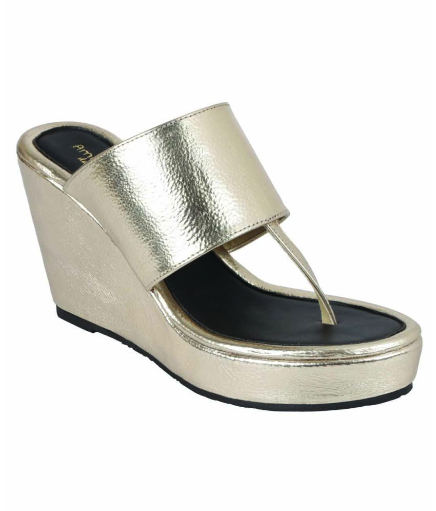 Amica Slexia Gold Wedges Heels